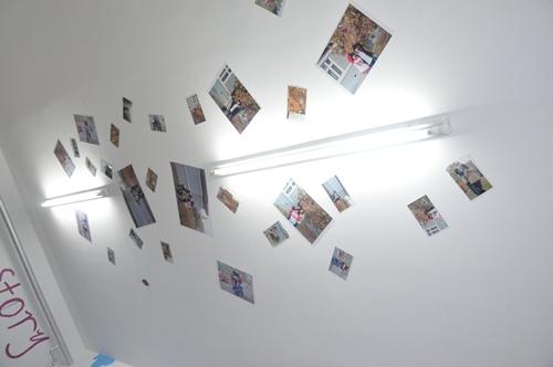 女生宿舍充满了温馨浪漫的气息,男生宿舍在五彩缤纷中也不失阳刚之气.